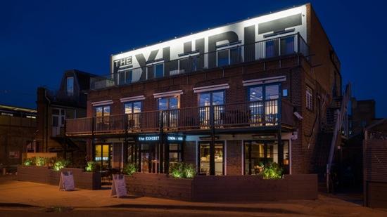 the-exhibit-bar-restaurant-diner-cinema-balham-g
